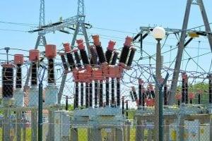 פרשנות לגבי תקנות החשמל עבודה במיתקן חי או בקרבתו